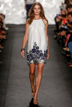 Naeem Khan Spring 2015 Ready-to-Wear - Collection - Gallery - Look 19 - Style.com
