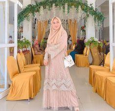 Dress Brukat, Kebaya Dress, Blouse Dress, Muslim Fashion, Hijab Fashion, Fashion Dresses, Kebaya Brokat, Kebaya Muslim, Casual Hijab Outfit