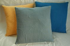 Quilted Pillows Tutorial ~ Experiment with Walking Foot Quilting | Sew Mama Sew |