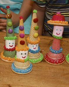 Crafts by Danika: Modepoppies en Hansworse Kids Party Treats, Birthday Treats, Party Snacks, Baking With Toddlers, Cooking With Kids, Edible Crafts, Food Crafts, Toddler Meals, Kids Meals