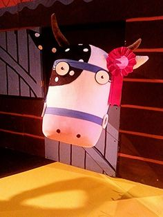 The fine prize cow from What The Ladybird Heard Live in #dubai #theatre #onstage #drama #juliadonaldson