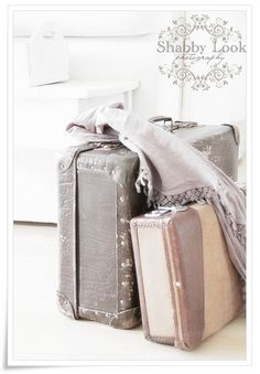 love the grey and tan suitcases!!! My room palate