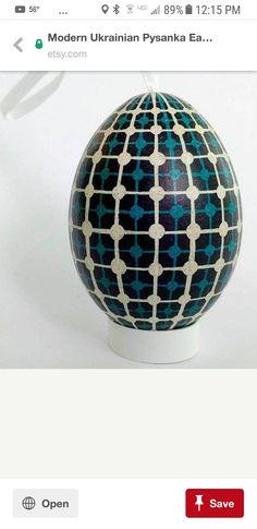 Geometric egg pattern