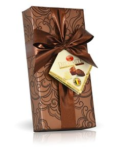 Bonboniéra v bronzovém papíru 100g Belgian Chocolate, Origami, Gift Wrapping, Bronze, Drinks, Gifts, Gift Wrapping Paper, Drinking, Beverages