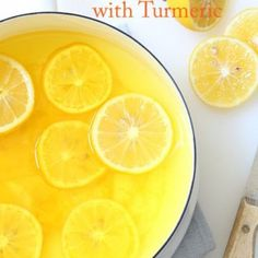 This Lemon Ginger Morning Detox Drink is made with fresh lemons, fresh ginger, turmeric and purified water and it's rich with detoxifying benefits Detox Diet Drinks, Detox Juice Recipes, Natural Detox Drinks, Detox Juices, Juice Cleanse, Cleanse Recipes, Cleanse Diet, Drink Recipes, Lemon And Ginger Detox