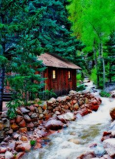 Colorado cabin on a river