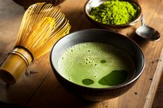 What is Matcha Tea? Matcha tea has been exploding in popularity throughout the health and nutrition communities in recent years. Learn more about Matcha. What Is Matcha Tea, Superfoods, Matcha Tea Benefits, How To Make Matcha, Organic Matcha, Matcha Green Tea Powder, Green Powder, Juicing For Health, Health Diet