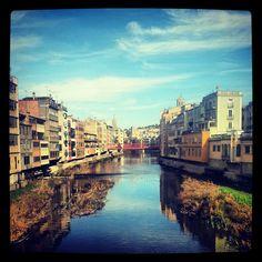 L'Èlia Guardiola ens envia aquesta fotografia  feta en el Pont de Pedra, sobre el riu Onyar Girona!