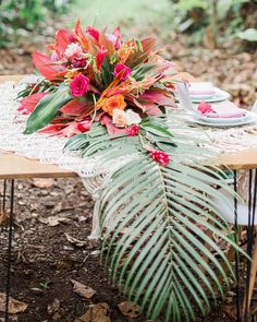 Tropical weddings are in trend, this is new classics! If you are going for such a wedding, if you want some bold tropical-inspired decor, I have some Tropical Wedding Centerpieces, Tropical Wedding Reception, Beach Wedding Favors, Wedding Reception Decorations, Floral Wedding, Wedding Flowers, Wedding Ideas, Beach Weddings, Tropical Weddings