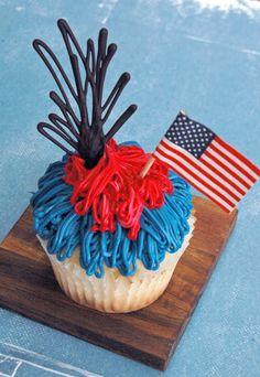 Mogwai Soup: 4th of July Cupcakes