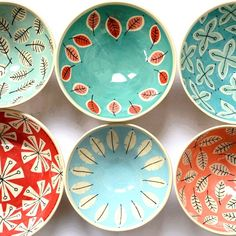 Bright + cheery handmade ceramic bowls by @inge_ceramics. Shop here: http://www.kleurindekamer.nl #kleurindekamer #ceramics #color #handmadeloves