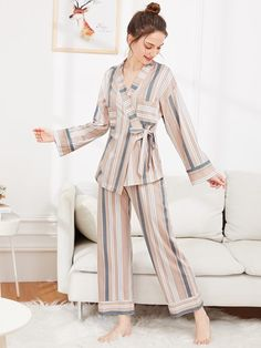 Shop for Contrast Stripe Wrap Pajama Set by Shein at ShopStyle. Cute Pajama Sets, Cute Pajamas, Night Outfits, Fashion Outfits, Outfit Night, Girl Fashion, Night Suit For Women, Personalized Pajamas, Pijamas Women