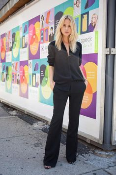 Elin Kling - New York girls street fashion & style Elin Kling, Work Fashion, Daily Fashion, Fashion Check, Street Fashion, Women's Fashion, Nyfw Street Style, Street Styles, Simple Outfits