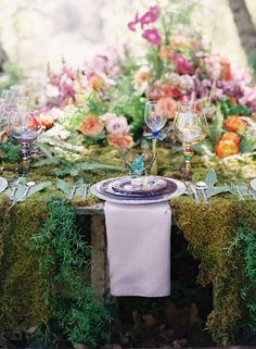 Wedding Inspiration Shoot from Tricia Fountaine + Caroline Tran + Winners! Gallery - Style Me Pretty Chic Wedding, Wedding Styles, Gipsy Wedding, Wedding Dinner, Dream Wedding, Enchanted Garden Wedding, Vintage Tea Parties, Wedding Table Settings, Place Settings