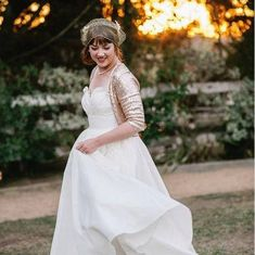 I use only the most sophisticated gold sequin fabric for each bridal bolero. This gold bolero is fully lined for extra comfort and warmth. Its a great way to add a bit of vintage glamour and coverage on your wedding day or other special event. While I try my best to accurately portray