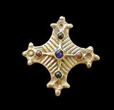 Cross shaped fibula found in a Saxon settlement on Hamburgs Domplatz, ca 800-900 A.D.