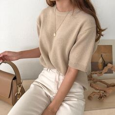♥ knitted ideas - Chic White Denim Beige Sweater Jewelry Inspo Bag Inspo Brunette Neutral Style Informations Abo - outfits Mode Outfits, Korean Outfits, Trendy Outfits, Fashion Outfits, Fashion Ideas, Fashion Clothes, Fashion Pics, Summer Outfits, Fasion