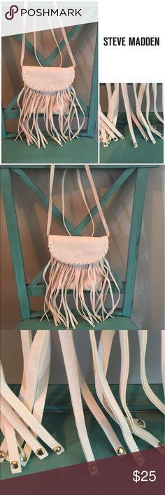 Steve Madden White Fringe Cross-body purse NWOT cross body purse with white fringe and gold detail on each fringe. Steve Madden Bags