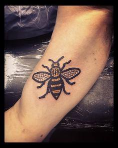 Manchester, Tatting, Body Art, Bee, Instagram Posts, Tattoo Ideas, Tattoo, Bee Tattoo, White Tattoos