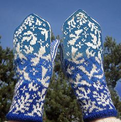 Ravelry: Peace Mittens pattern by Natalia Moreva