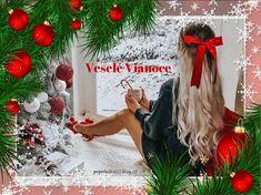 gif Verona, Christmas Wreaths, Christmas Ornaments, Holiday Decor, Home Decor, Italy, Christmas Swags, Xmas Ornaments, Holiday Burlap Wreath
