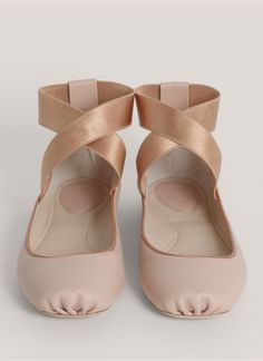 Chloé Strap leather ballerina flats, i need these shoes!