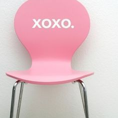 cute pink chair!