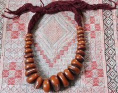 Large & Heavy Berber Henna RESIN Beads with Metal Pieces Necklace, Faux Amber, Morrocan Sahara  Total Length purple/red Wool) 102 cm, Largest Bead: