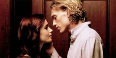 this movie Mortal Instruments has my favorite makeout scene I WILL FOREVER BE ALONE I HATE VALENTINES DAY
