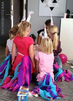 Das war ne Sause! Der reine Mädchenwahnsinn! Pink, rosa, lila, stetig gepaart mit quietschen, Kichern, Kreischen. Ich hab euch ein paar Bilder von unserer Einhornparty mitgebracht. Naja, nicht von der