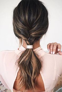 Chic ponytail inspo on @marianna_hewitt - Simple yet elegant!