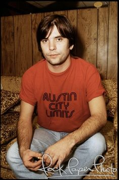 Steve Earle in a Austin City Limits T-Shirt no less. Country Singers, Country Music, Rob Halford, Steve Earle, Texas Music, Americana Music, Austin City Limits, Prince Purple Rain, Judas Priest