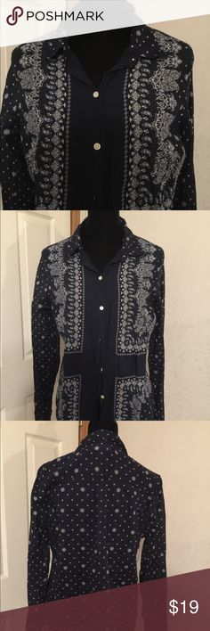 Old Navy Classic Button Down Size Large Old Navy Classic Button Down Size Large. This is a gorgeous navy blue button down with Paisley design. It is sheer and in great shape. It is 100% cotton. Please view all pictures. Old Navy Tops Button Down Shirts