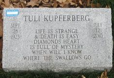 "Naphtali ""Tuli"" Kupferberg (1923-2010) - Find A Grave Memorial Richie Havens, American Folk Music, Allen Ginsberg, Grave Memorials, Musicians, Poems, Memories, Writing, Memoirs"