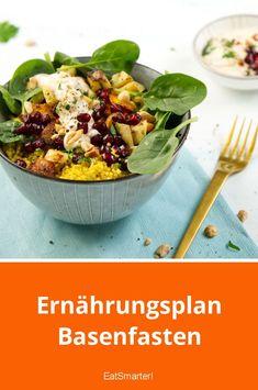 Gem se-Quinoa-Bowl mit Erdnuss-Dip Gem se-Quinoa-Bowl mit Erdnuss-Dip EAT SMARTER eatsmarter Rezepte f r die Lunchbox Gem se-Quinoa-Bowl mit Erdnuss-Dip smarter Kalorien 339 kcal nbsp hellip lunch quinoa Quinoa Bowl, Quinoa Salad, Breakfast Bowls, Breakfast Recipes, Salad Recipes, Diet Recipes, Calories In Vegetables, Vegetable Calories, Vegetable Quinoa