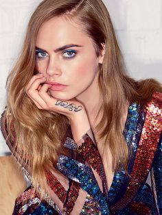 Cara Delevingne First Solo Vogue Cover. Taylor Swift, Pharrell, Kendall Jenner, and More Celebrate Cara Delevingne's First Solo Vogue Cover. Patrick Demarchelier, Look Fashion, Fashion Models, Dress Fashion, Fashion Beauty, Look Star, Vogue Us, Vogue Photo, Vogue Korea