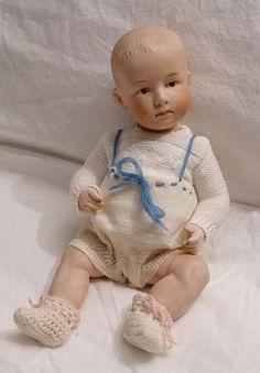 Antike ca.1914 Gebr. Heubach Poutymund Puppe Sitzbabykörper Sonnenzeichen 7602