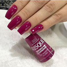Want to know how to do gel nails at home? Learn the fundamentals with our DIY tutorial that will guide you step by step to professional salon quality nails. Pink Acrylic Nails, Glitter Nails, Classy Nails, Trendy Nails, Faux Ongles Gel, Classy Nail Designs, Nagel Gel, Super Nails, Halloween Nails