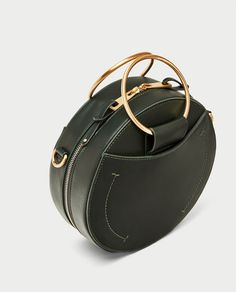 Image 3 of ROUND CROSSBODY BAG WITH METAL HANDLES from Zara 가죽 제품 1ee65476d19be