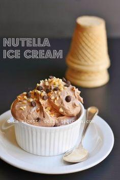 La ricetta della felicità: Gelato magico senza gelatiera e con 3 soli ingredienti: pistacchio e Nutella.... E tu sai giudicare?