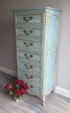 ❤️ French lingerie chest painted a brilliant blue with Annie Sloan Chalk Paint. This beauty is layered in paint; it took about 4 different paint shades to achieve this look. Each drawer is finished with sparkling hardware.