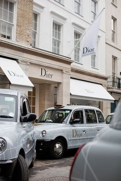classy aesthetic vintage All Dior everything. Boujee Aesthetic, Aesthetic Collage, Aesthetic Vintage, Aesthetic Photo, Aesthetic Pictures, Bedroom Wall Collage, Photo Wall Collage, Picture Wall, Aesthetic Iphone Wallpaper