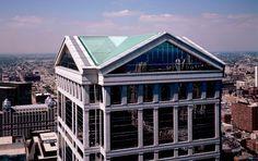 United Continental Building in Chicago, USA - Ricardo Bofill Taller de Arquitectura Chicago Skyline, Chicago Usa, Florence Cathedral, Ricardo Bofill, Luxury Office, Interior Design Studio, Atrium, Ground Floor, Facade