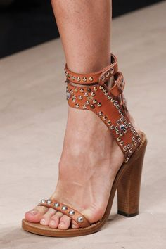 // Pinterest @esib123 //  #shoes  Isabel Marant details