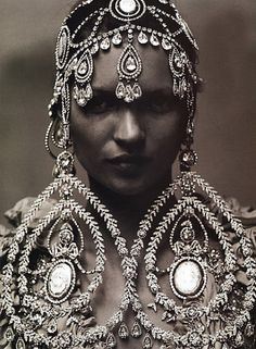 Massive diamonds as earrings and a headpiece. Would you wear these?