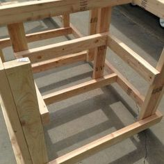 Learn Woodworking Building Your Own Workbench - Building a nice workbench is important. Many have come up with their own approaches. Here's how to build one using basic tools. Workbench Plans Diy, Table Saw Workbench, Workbench Organization, Building A Workbench, Woodworking Bench Plans, Woodworking School, Learn Woodworking, Woodworking Crafts, Garage Workbench
