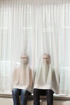 Jouk Oosterhof / Behance fantasma cortina tela hombres ocultar