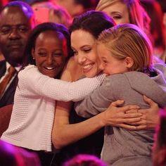 Angelina Jolie et Brad Pitt : la mère biologique de leur fille Zahara souhaite lui parler