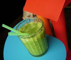 Tout Cru Dans Le Bec: Smoothie ananas et persil Celery, Watermelon, Smoothies, Vegetables, Ethnic Recipes, Food, Parsley, Fruits And Veggies, Drinks