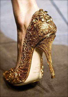 Zapatos dorados para novia - chiffon et ribbons